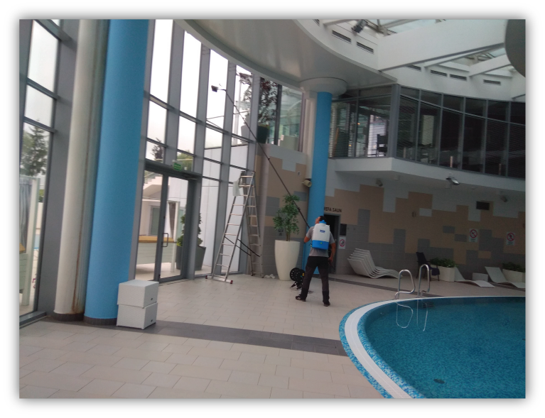 Mycie na wysokosci hotel